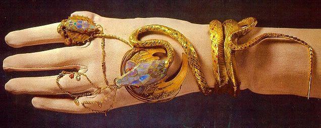 браслет со змеей Сары Бернар от Мухи