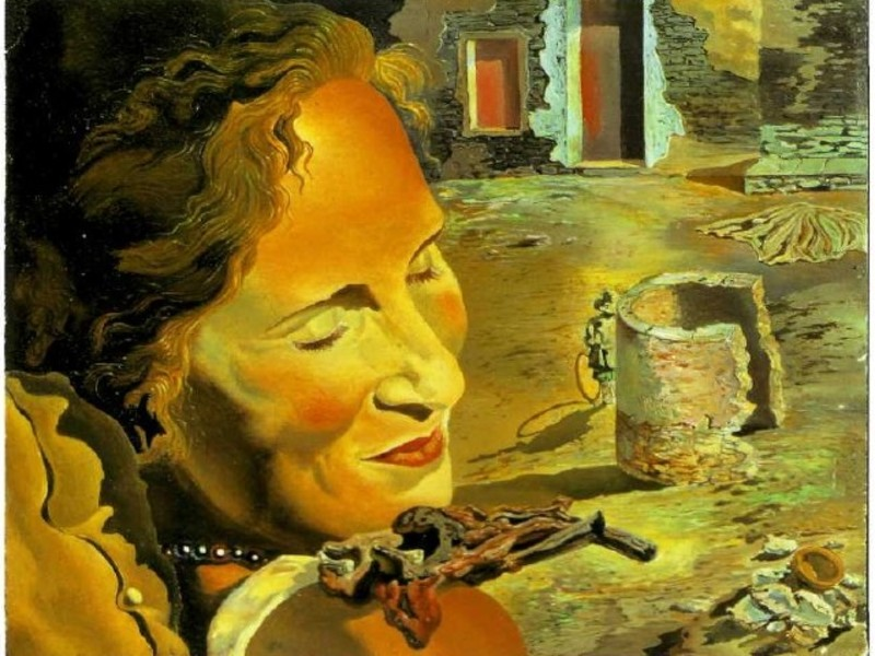 Жена Сальвадора Дали, картина портрет Гала с двумя рёбрышками ягнёнка, балансирующими на её плече.
