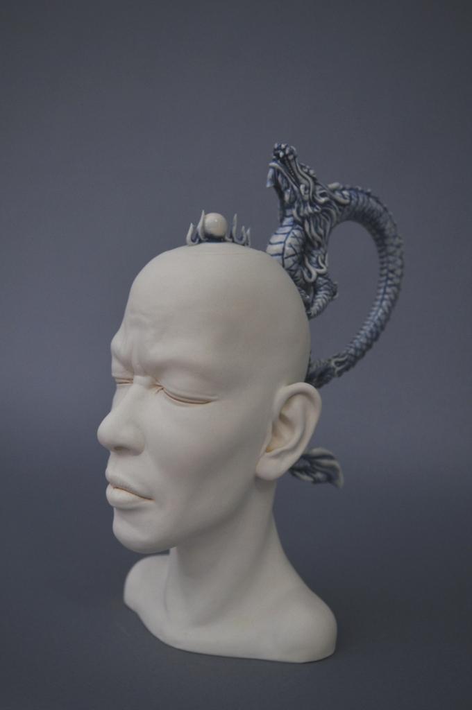"""Сюрреалистическая керамика """"Плачущий горшок"""", Джонсон Цанг"""